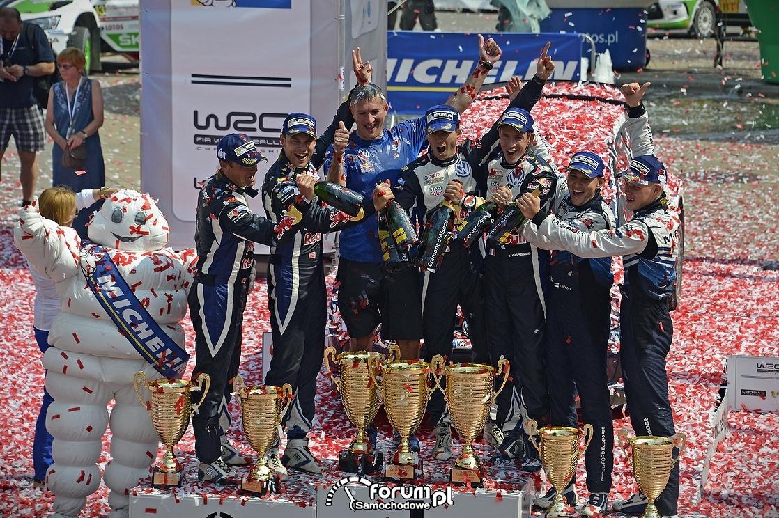 Puchary, szampan i ludzik Michelin