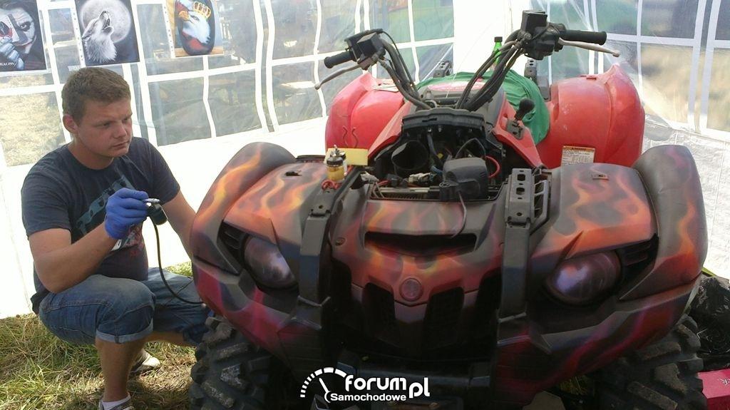 "Air-Dragon Malowanie Airbrush na żywo / MAN ""Gniew Tytanów"""