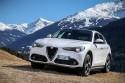 Alfa Romeo Stelvio, przód, góry, zima