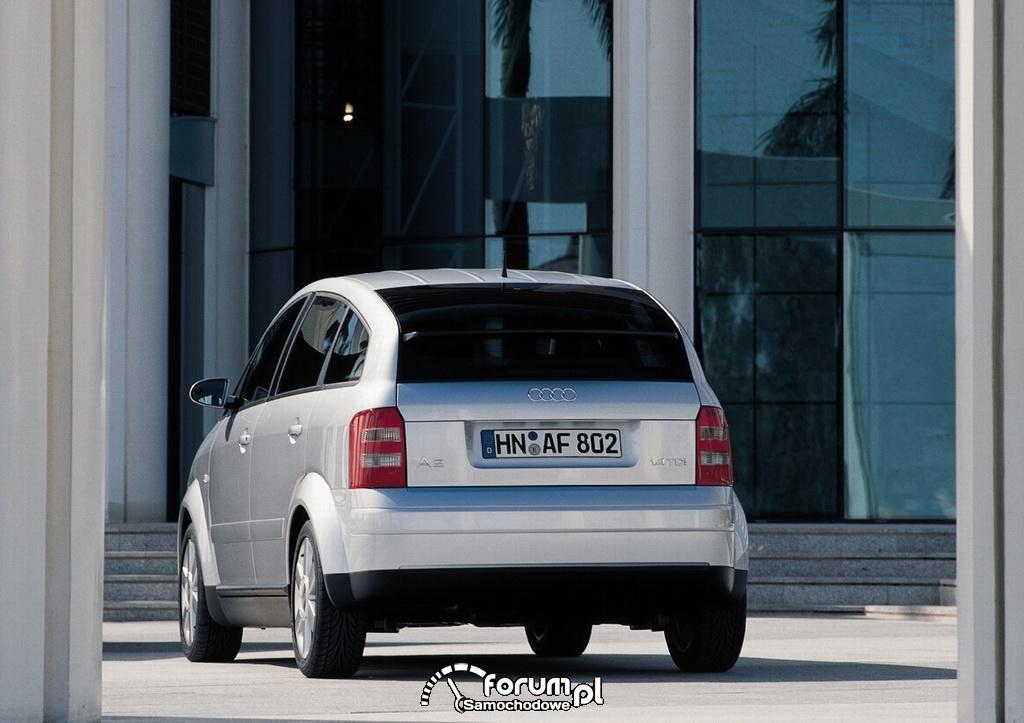 Audi A2, tył