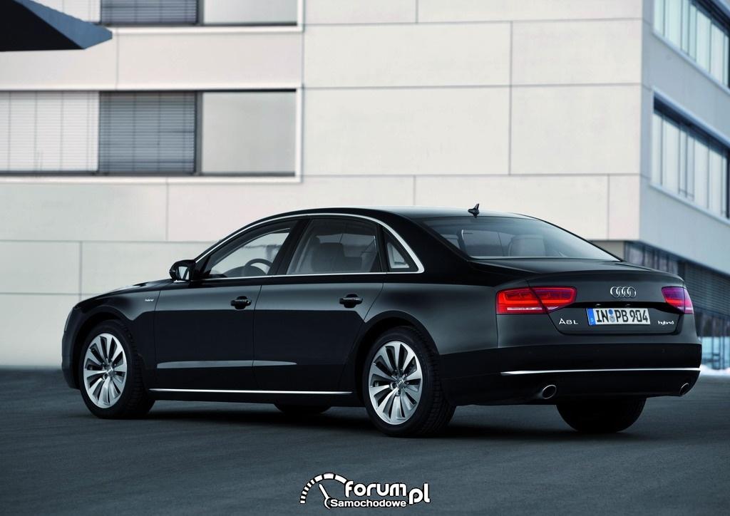 Audi A8L hybrid