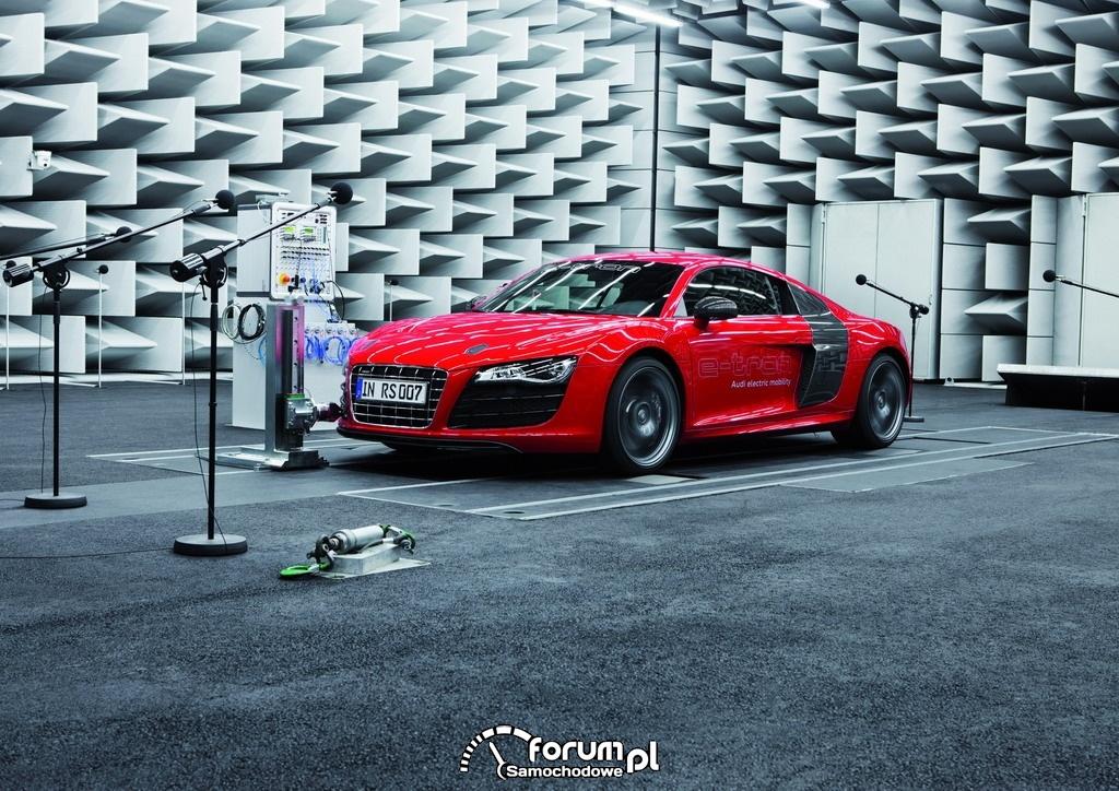 Audi e-sound - Audi R8 e-tron, 1
