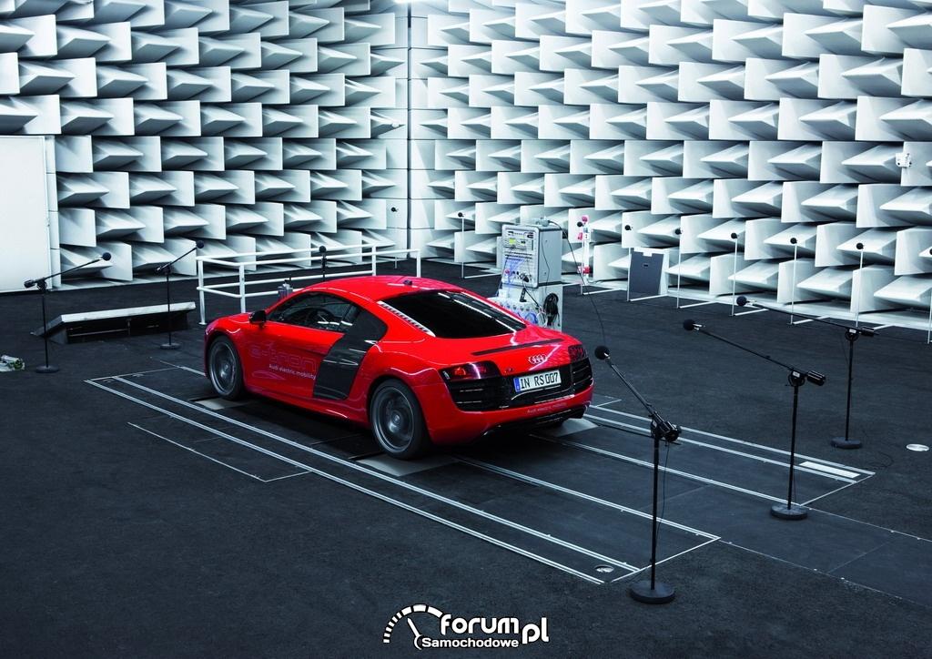 Audi e-sound - Audi R8 e-tron, 4
