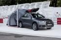 Audi Q3 z rozkładanym namiotem kampingowym
