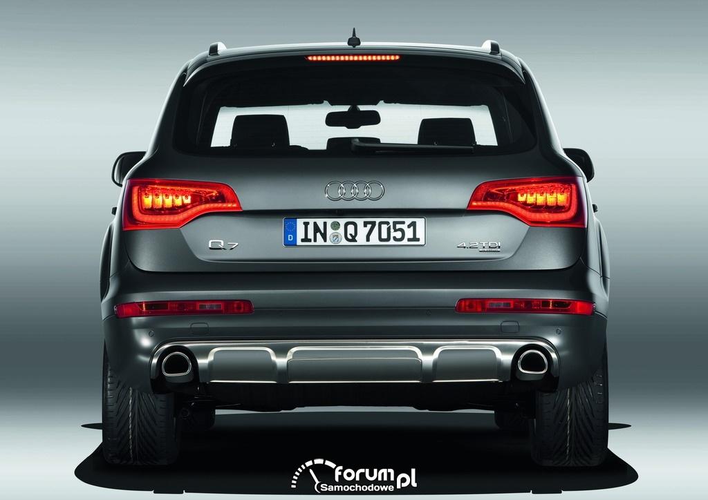 Audi Q7 4.2 TDI, z tyłu