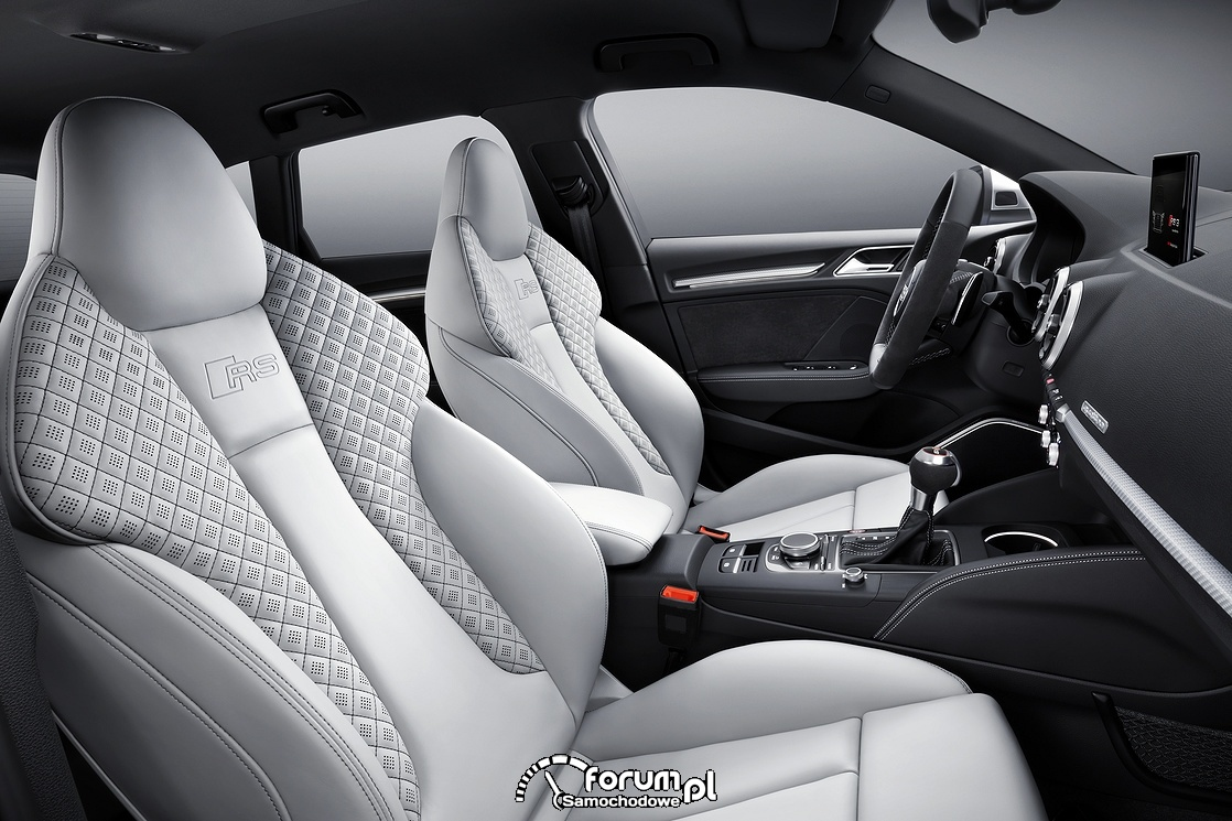Audi RS 3 Sportback, skórzane fotele kubełkowe