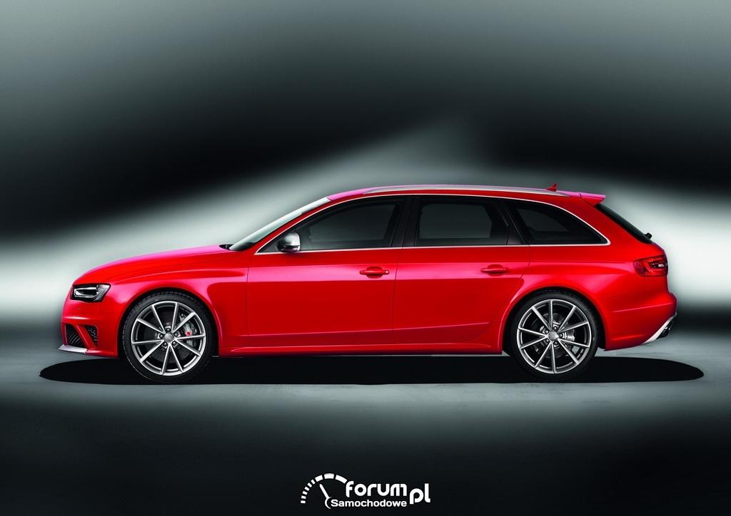 Audi RS 4 Avant - bok