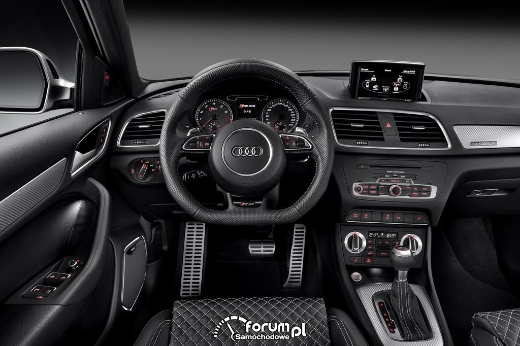 Audi RS Q3 2.5 TFSI o mocy 310KM, wnętrze, deska rozdzielcza