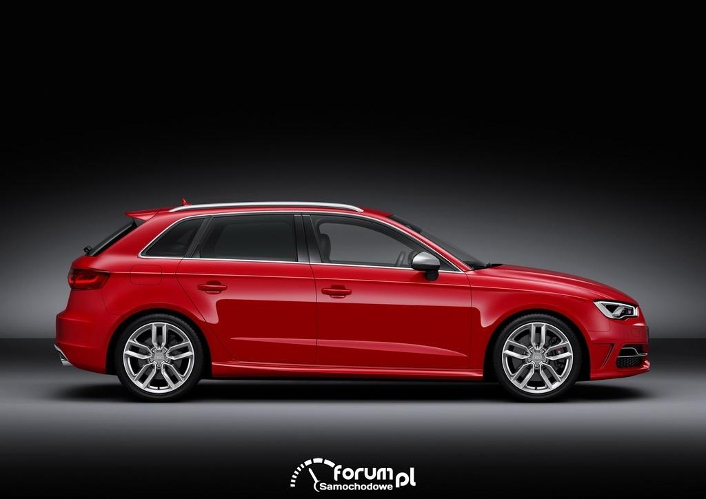 Audi S3 Sportback 2.0 TFSI o mocy 300KM, bok