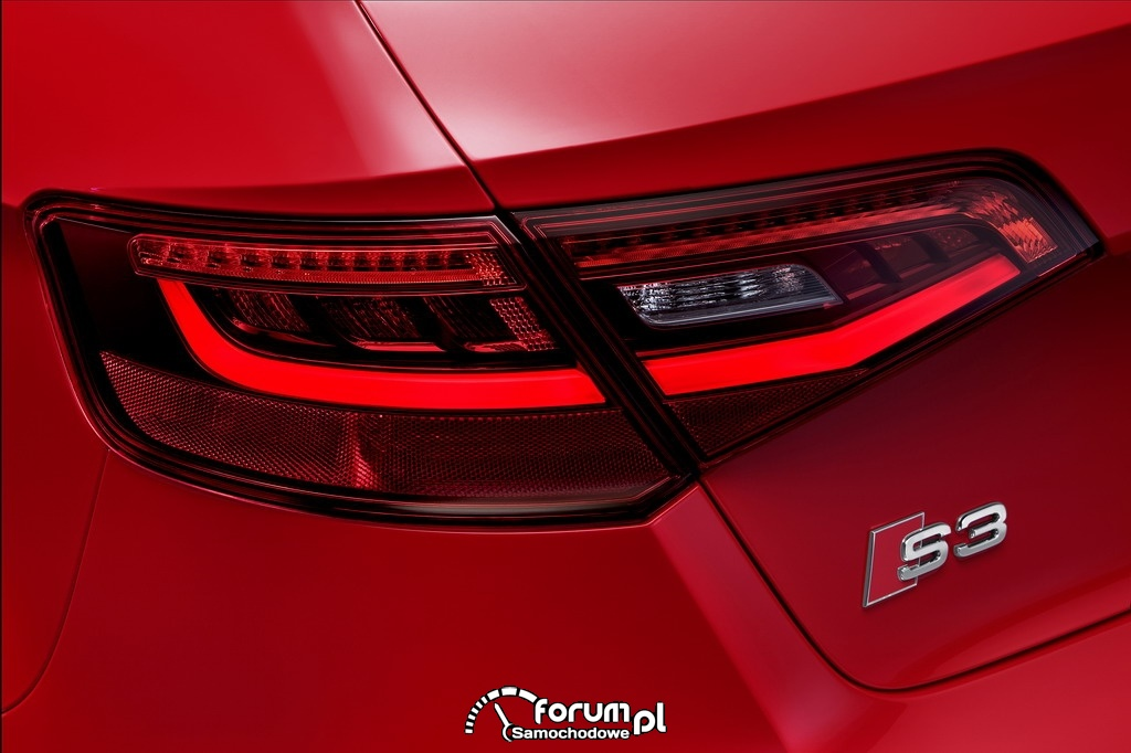 Audi S3 Sportback 2.0 TFSI o mocy 300KM, tylne światła LED