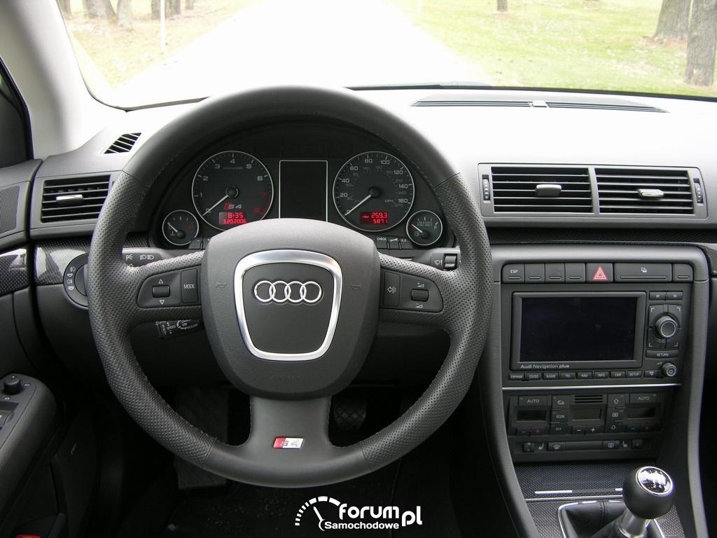 Audi S4 B6, wnętrze