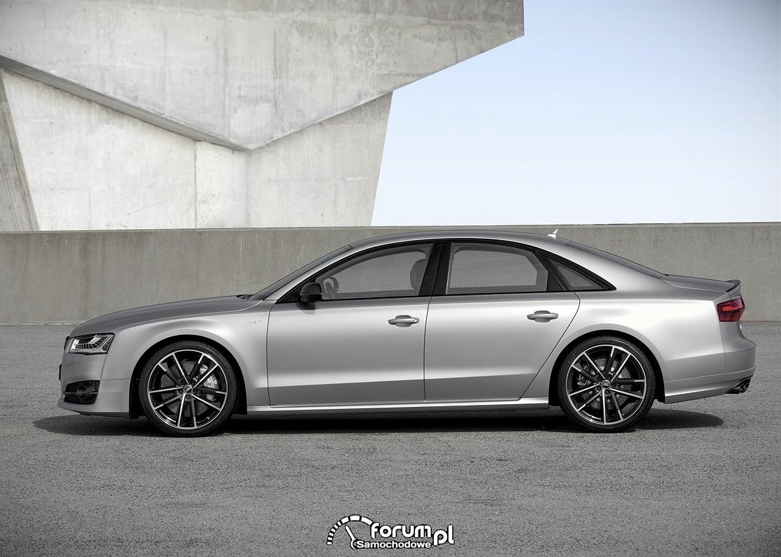 Audi S8 plus, bok