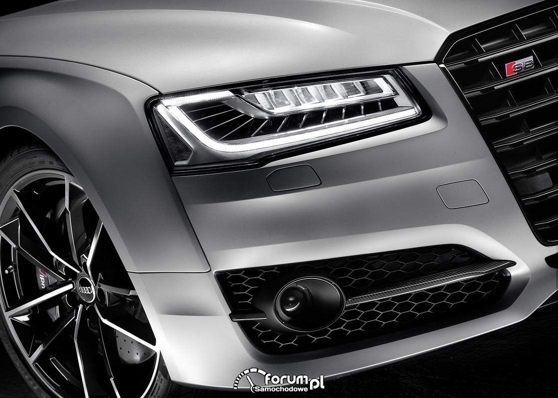 Audi S8 plus, przednie światła LED