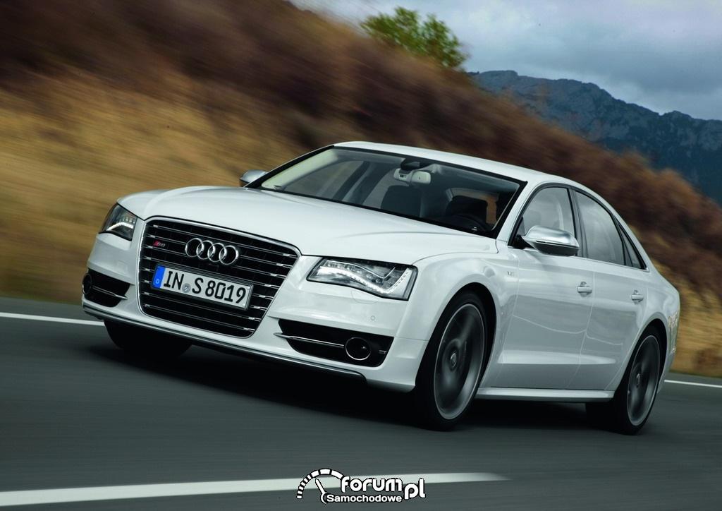 Audi S8 Samochodem Roku Playboya 2012 w kategorii - Luksus i Sport