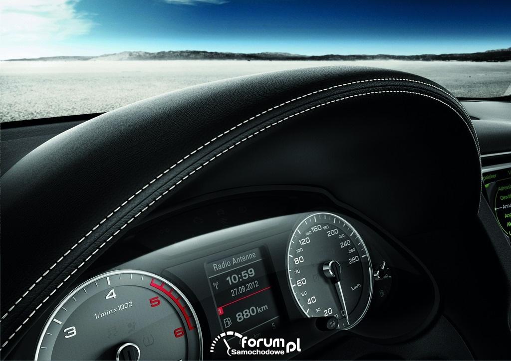 Audi SQ5 TDI, licznik i wykończenie deski