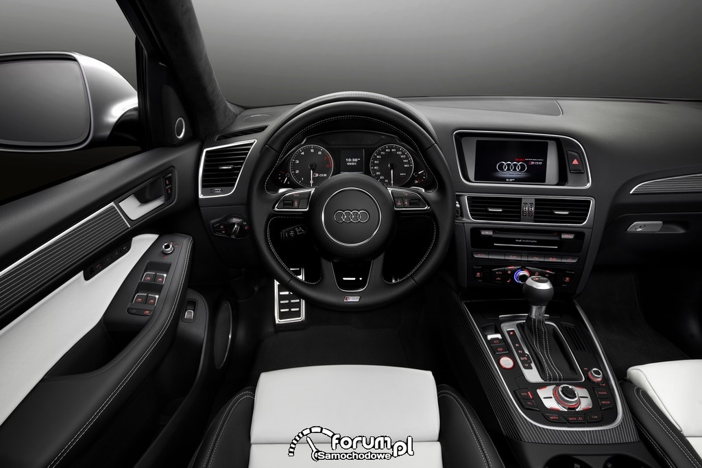 Audi SQ5 z silnikiem benzynowym, dynamika i moc 354 KM, wnętrze