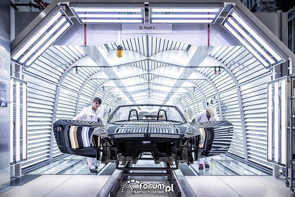 Linia produkcyjna nowego TT Roadstera w węgierskich zakładach Audi