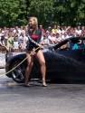 Dziewczyny myjące auto