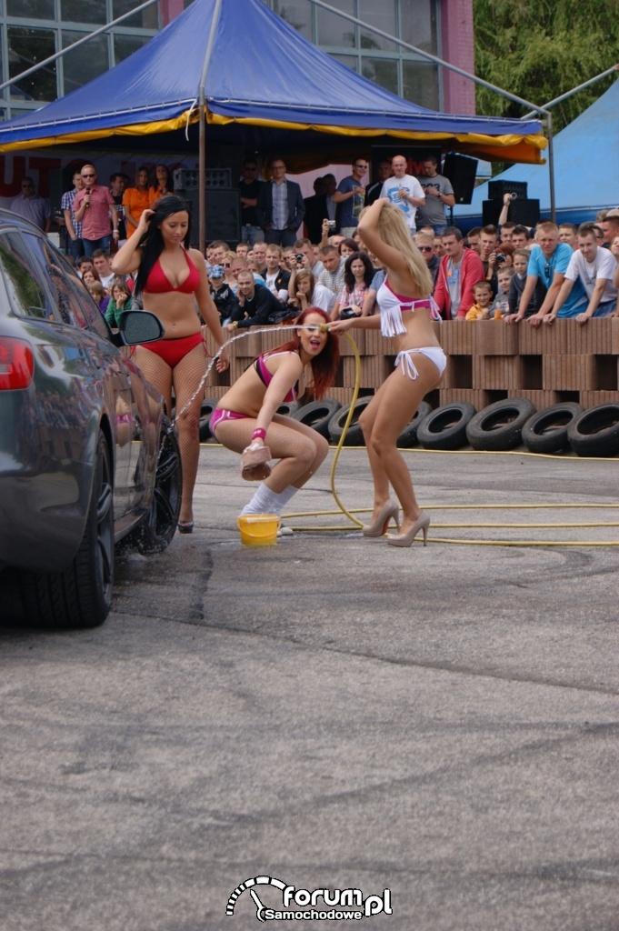 Myjnia bikini, dziewczyny, carwash, 1