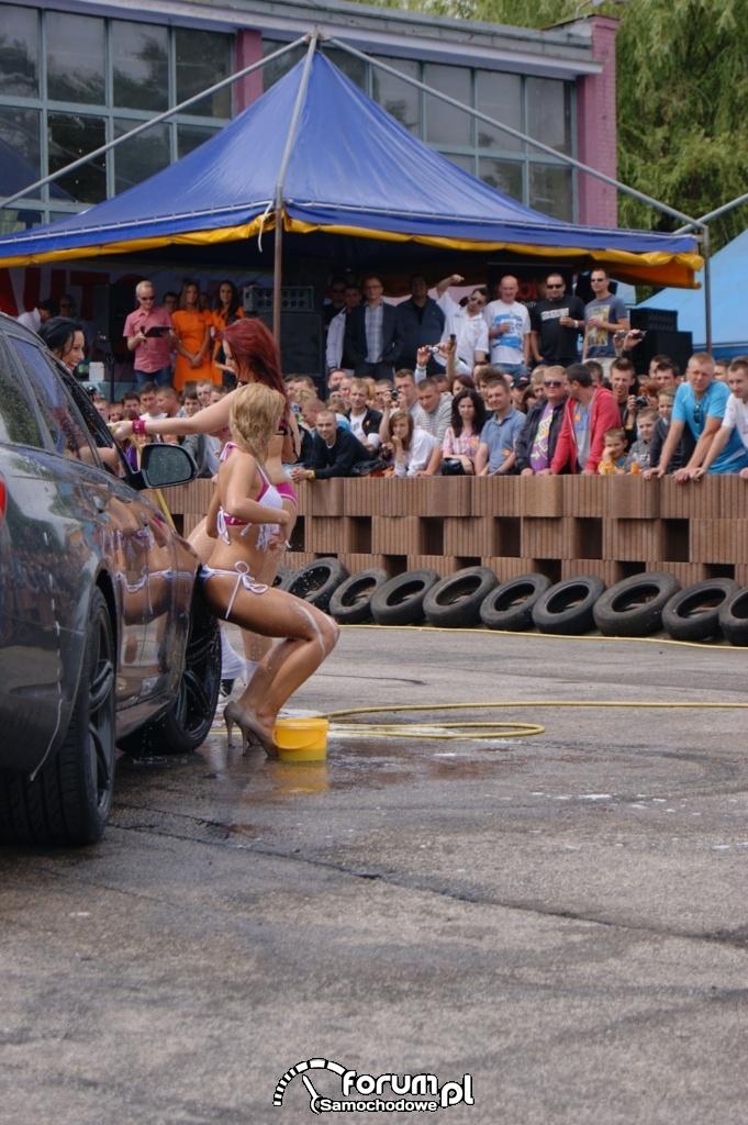 Myjnia bikini, dziewczyny, carwash, 16