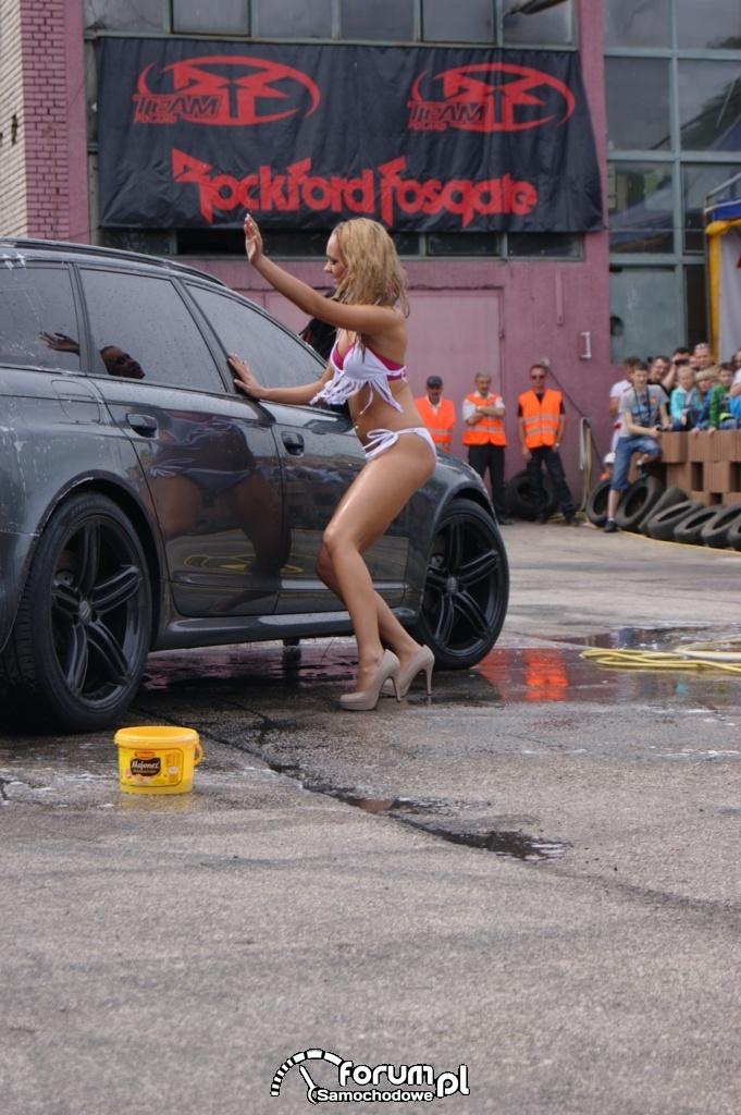 Myjnia bikini, dziewczyny, carwash, 32