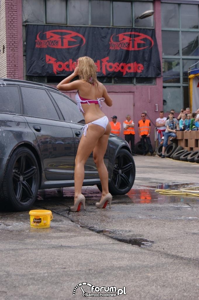 Myjnia bikini, dziewczyny, carwash, 36