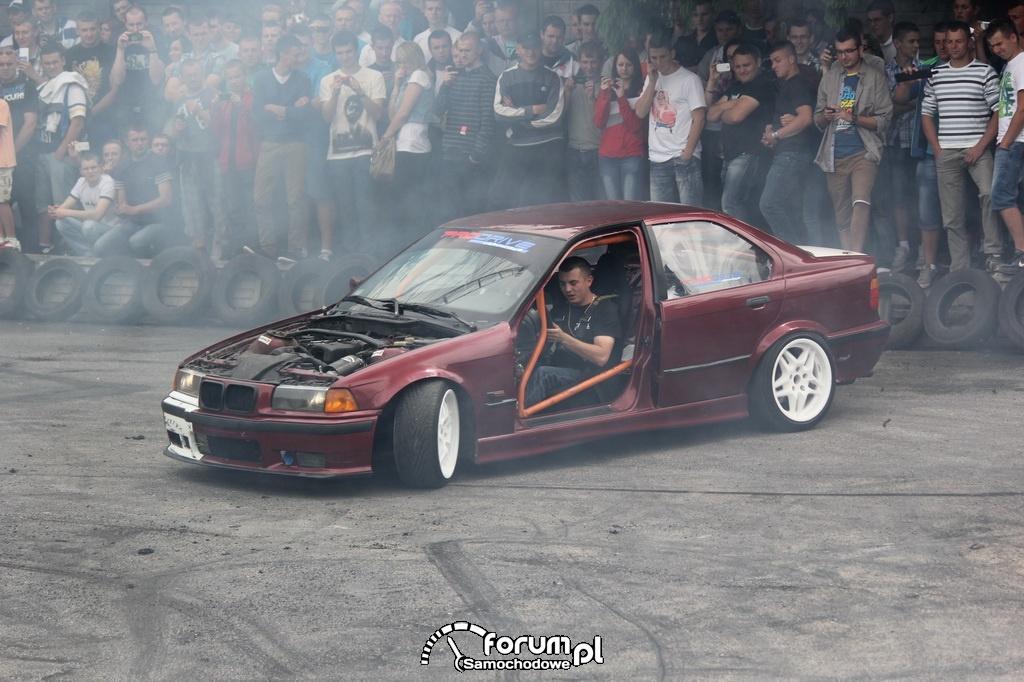 BMW E36 serii 3, palenie gumy, 5