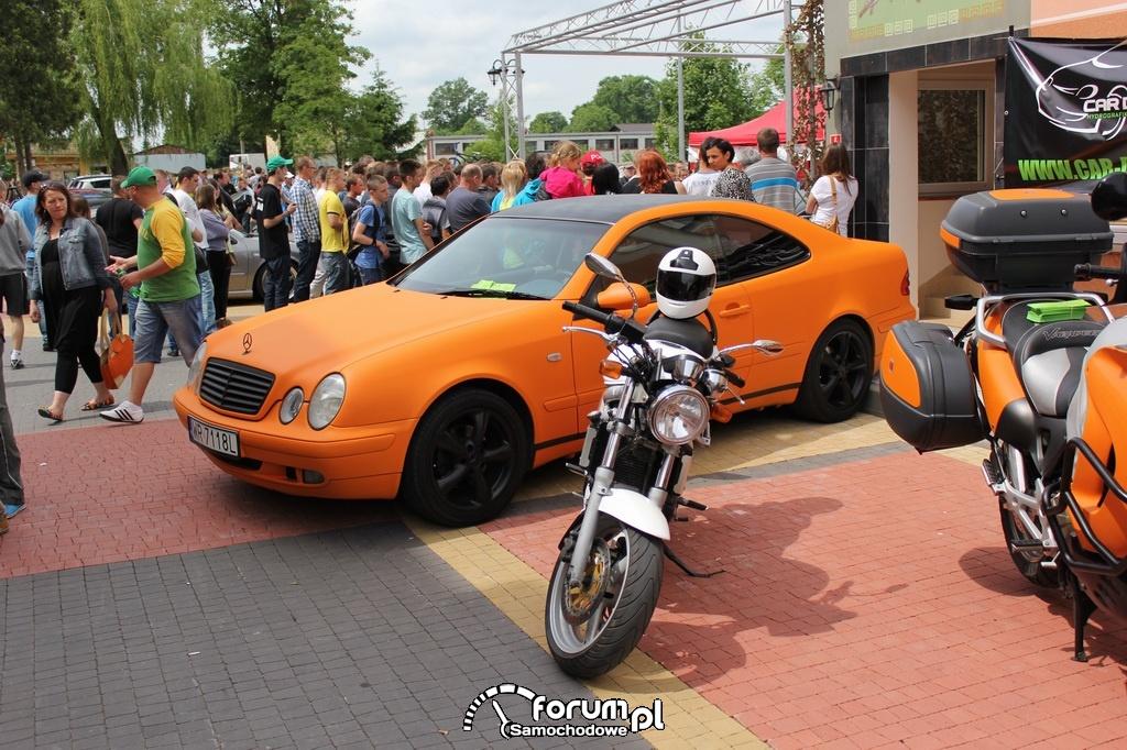 Mercedes CLK 55 AMG W208, publiczność