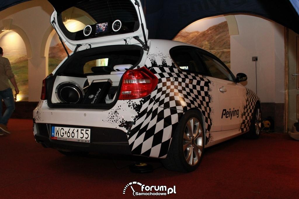 Peiying, zabudowa car audio, BMW serii 1