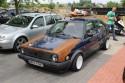 Volkswagen Golf II częściowo pokryty rdzą
