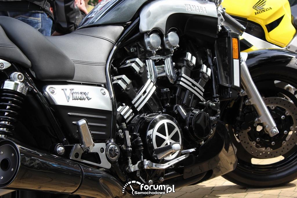 Yamaha Vmax, silnik