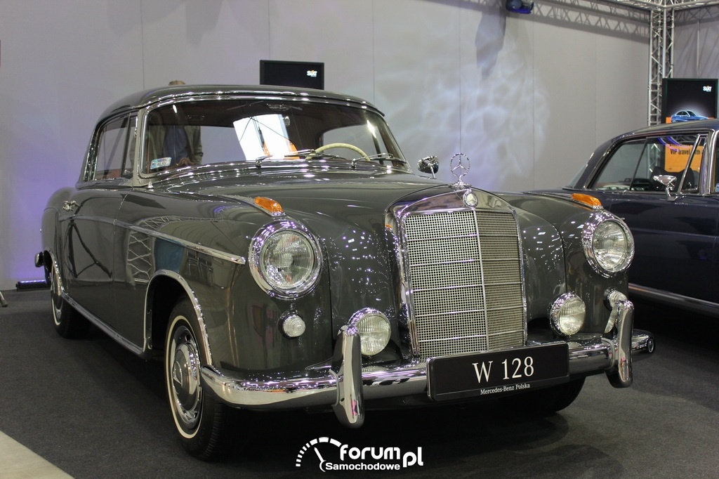 Mercedes-Benz W 128, przód