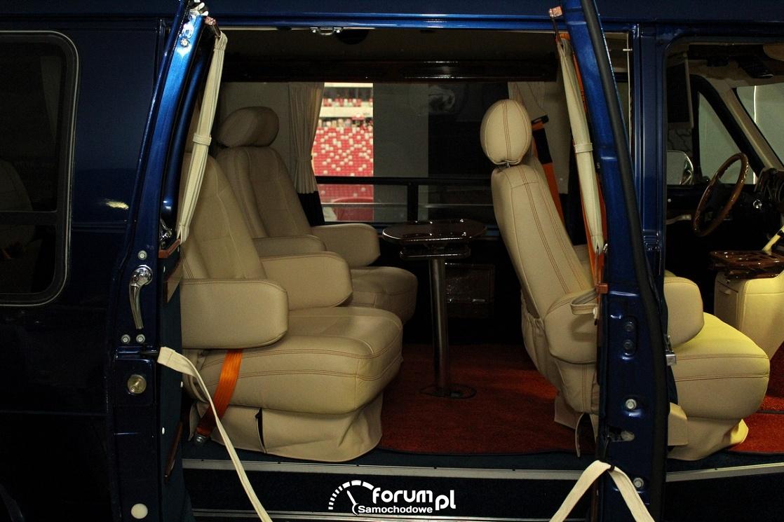 Chevy Van 20, wnętrze z tyłu