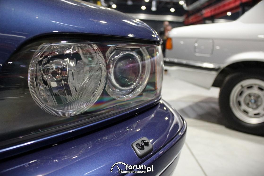 BMW Alpina B10 V8 E39, przedni reflektor