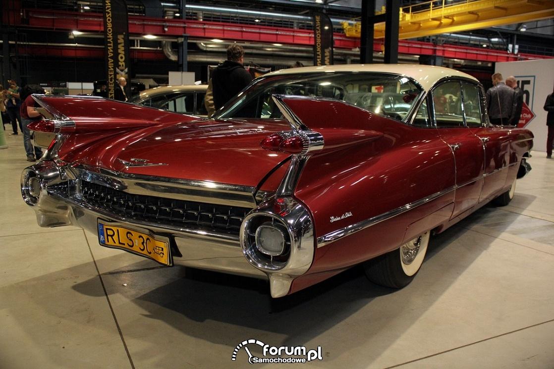 Cadillac Deville z lat 60 tych - amerykański sen na czterech kółkach