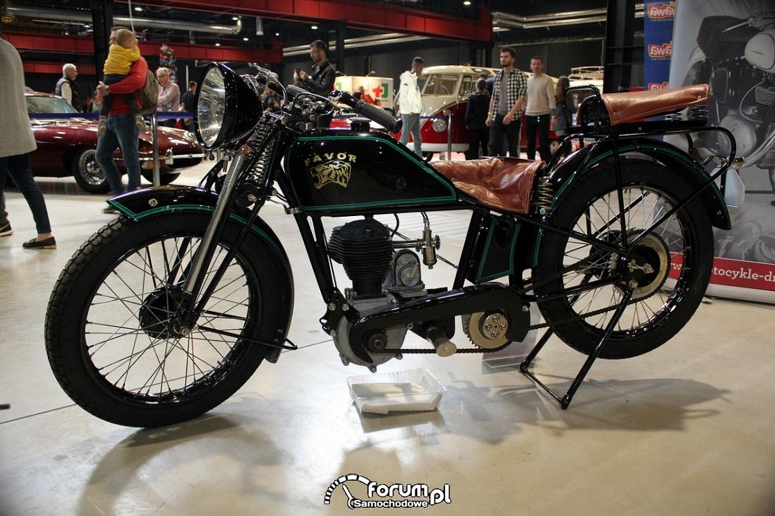 Favor rocznik 1932, motocykl