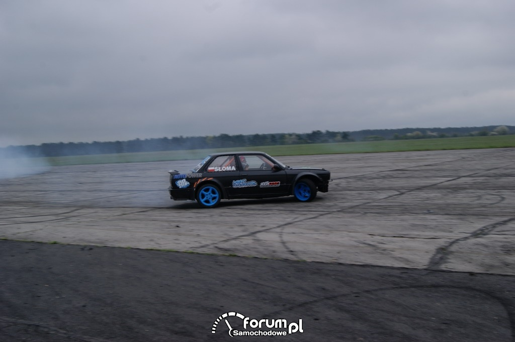 BMW E30, lotnisko, drift, 5