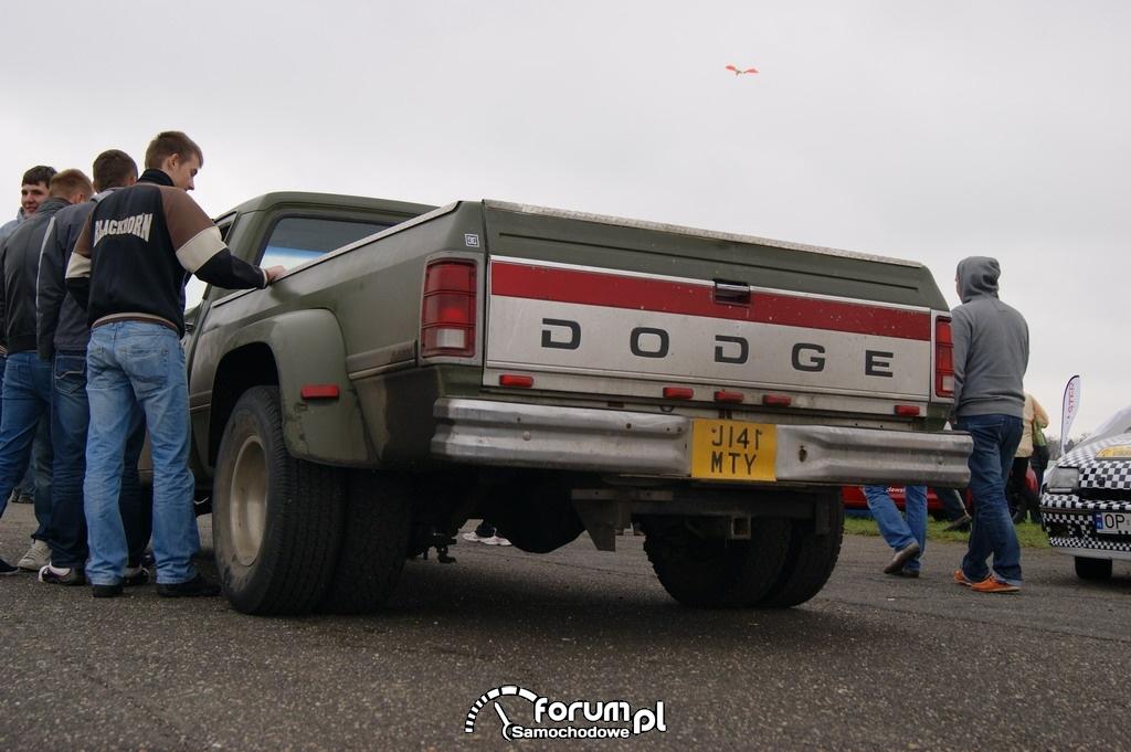 Dodge pickup, półciężarówka