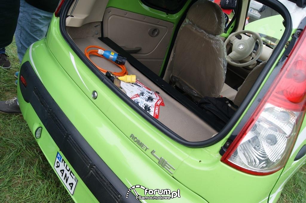 Romet 4E, samochód elektryczny, bagażnik