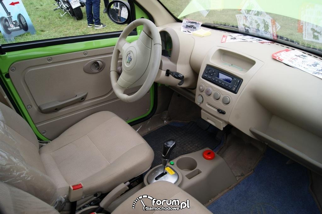 Romet 4E, samochód elektryczny, wnętrze