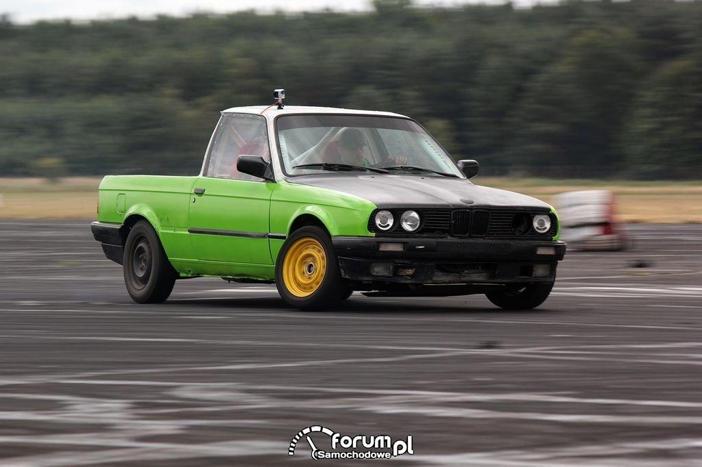 BMW E30 PickUp, samochód do driftu