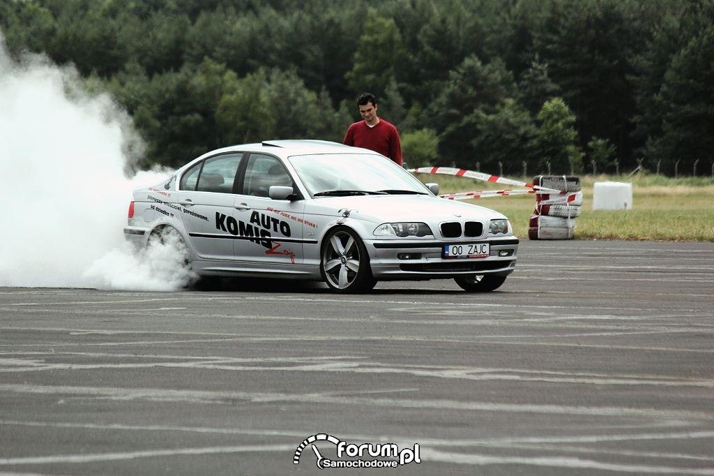 BMW E46, rozgrzewanie opon przed startem