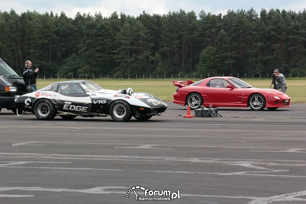 Chevrolet Corvette VTG 4X4 Turbo vs. Mazda RX-7