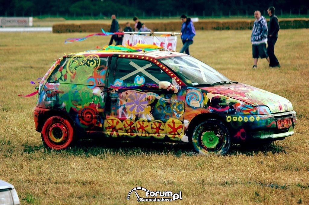 Samochód pomalowany przez Dzieci
