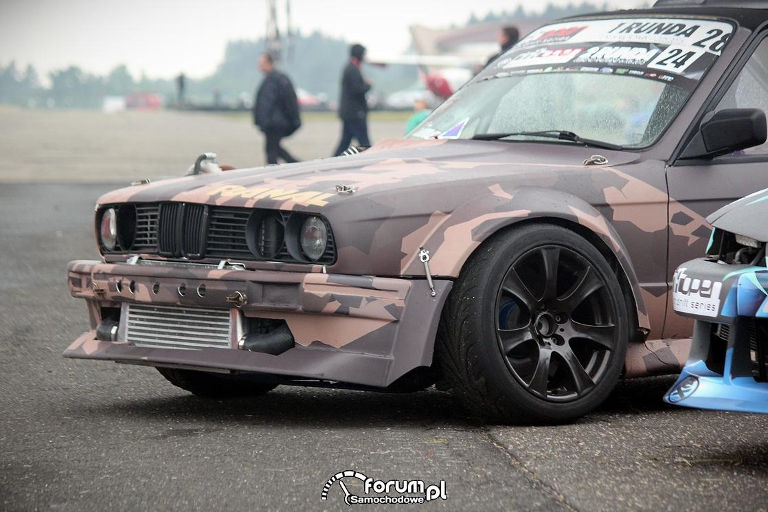 BMW E30, samochód do driftu, przód