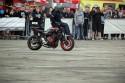 Stunt motocyklowy, jazda na kierowniku