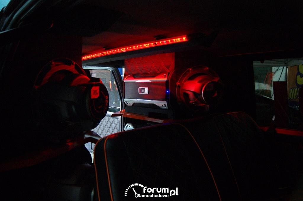 Zabudowa wnętrza typu VAN, Car audio, JBL