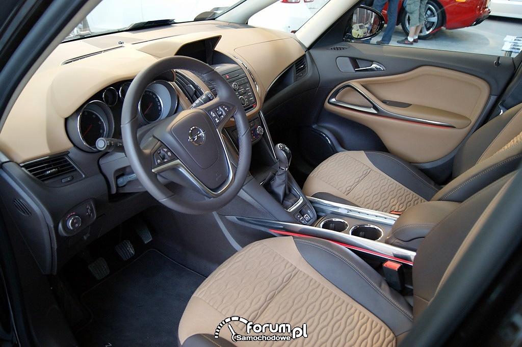 Opel Zafira Tourer - wnętrze
