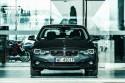 BMW 330i xDrive, nieoznakowany radiowóz, przód