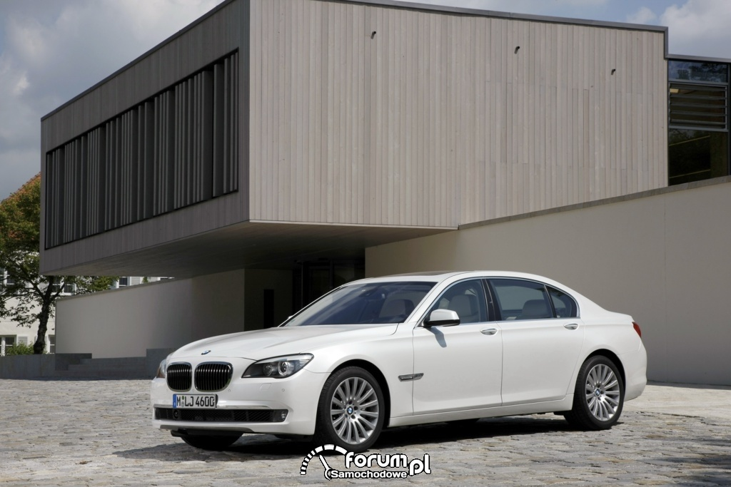 BMW 760Li - seria 7 - widok z przodu